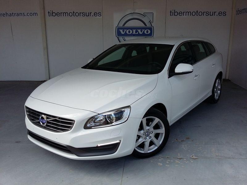 VOLVO V60 2.0 D4 Momentum Auto 5p.