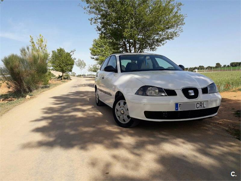 SEAT Córdoba 1.9 TDI 100 CV STELLA 4p.