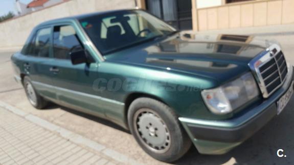 MERCEDES-BENZ 300 300SE 4p.