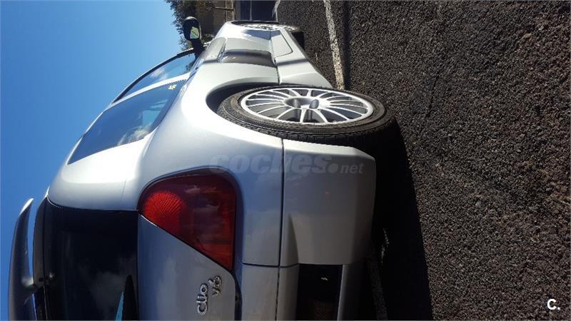 RENAULT Clio RENAULT SPORT 3.0 V6 3p.