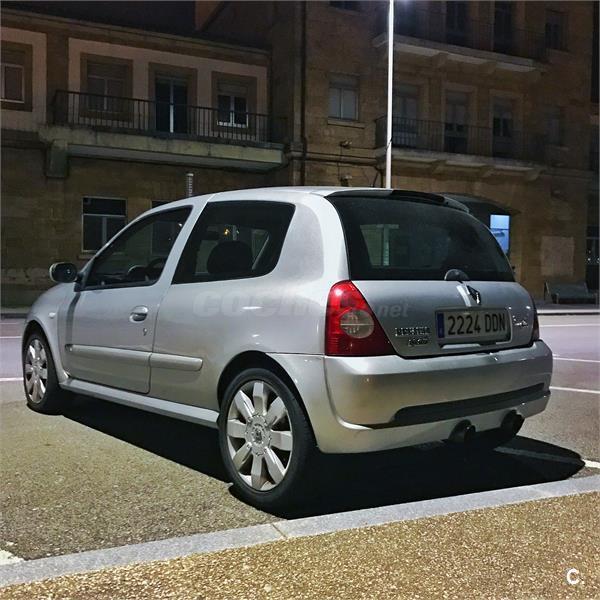 RENAULT Clio Renault Sport Team 2.0 16V 3p.