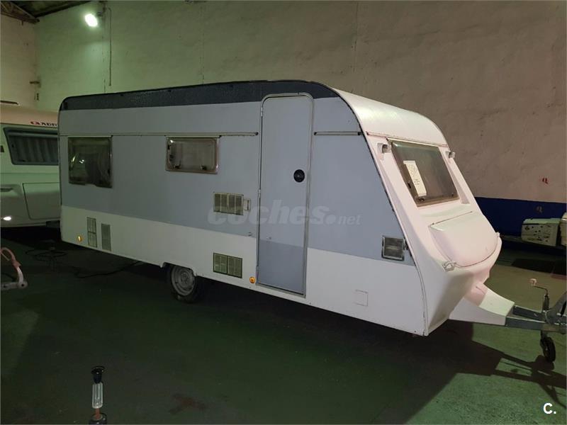 CARAVANA PLUMA 500