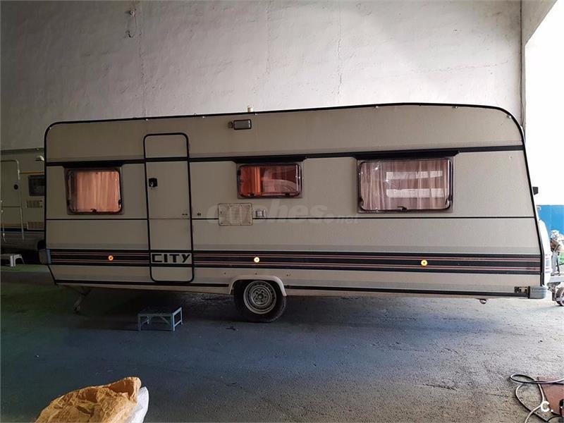 CARAVANA BURSTNER 530 TK -3 AMBIENTES--