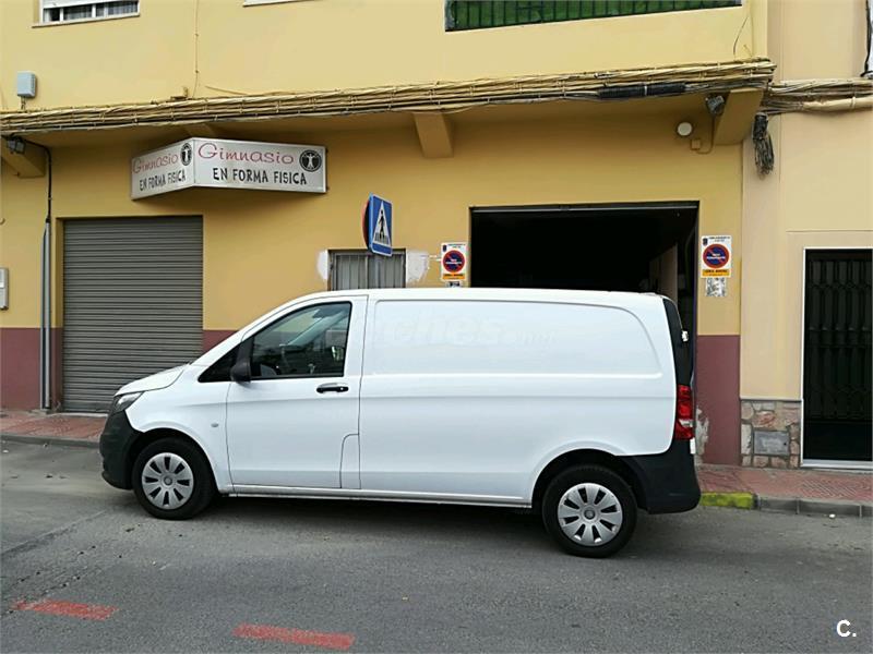 MERCEDES-BENZ Vito 109 CDI Compacta 4p.