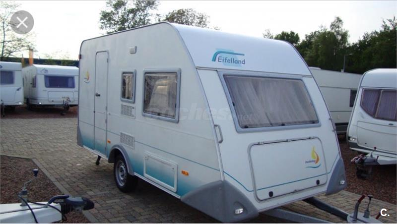 Caravana eiffelland holiday 395tk