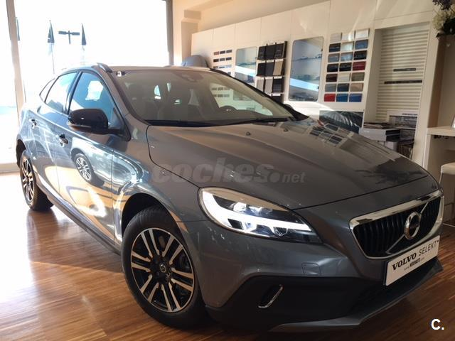 VOLVO V40 Cross Country 2.0 D2 Plus 5p.