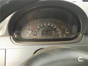 MERCEDES-BENZ Vito 109 CDI Mixto Compacta 4p.