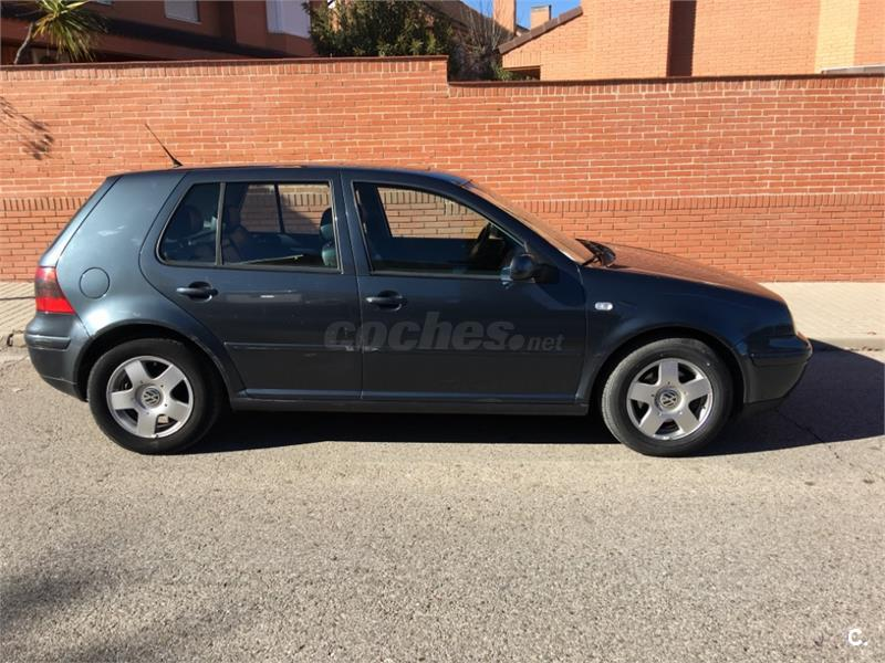 VOLKSWAGEN Golf 1.9 TDi Advance 110CV 5p.