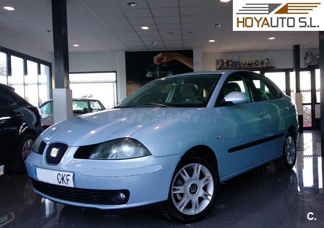 SEAT Cordoba 1.9 TDI 100 CV SIGNA 4p.
