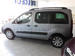 PEUGEOT Partner TEPEE Adventure Edition BlueHDi 88KW