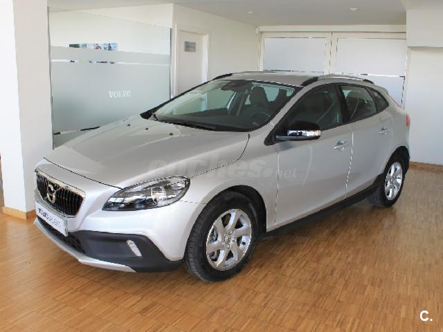 VOLVO V40 Cross Country 2.0 D2 Kinetic Auto 5p.