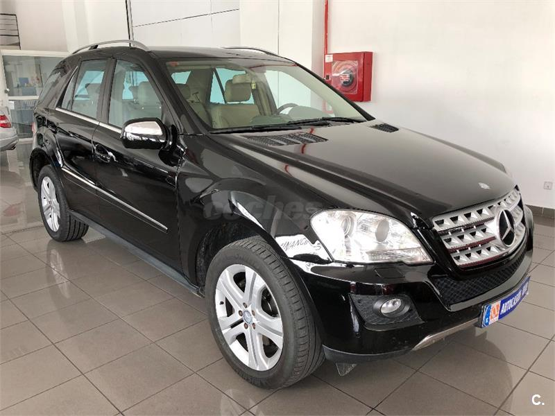 MERCEDES-BENZ Clase M ML 300 CDI 4M Blue Efficiency 5p.