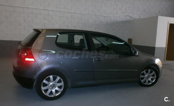 VOLKSWAGEN Golf 1.9 TDi Highline 3p.
