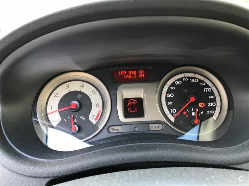 RENAULT Clio Luxe Privilege 1.6 16v 3p.