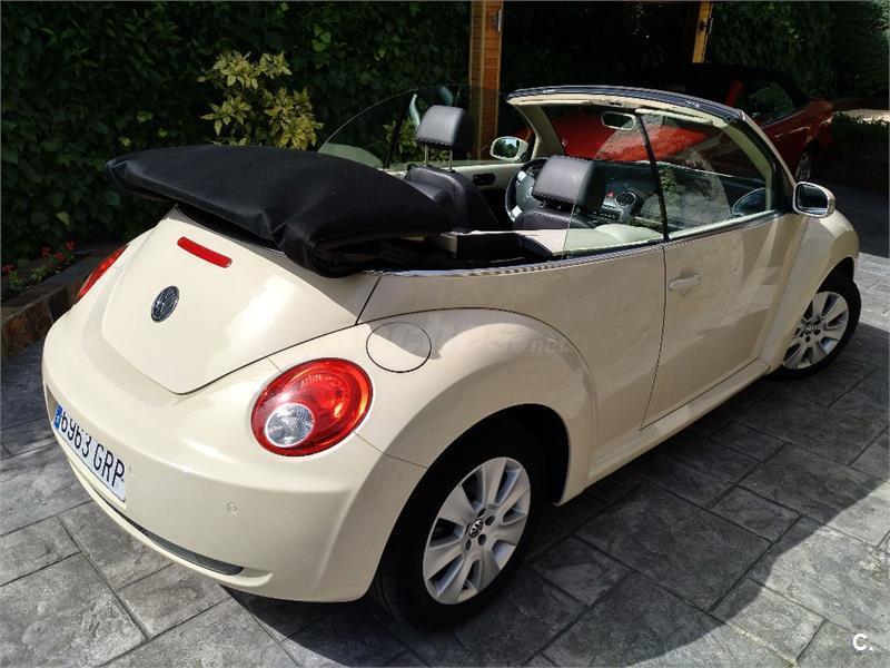 VOLKSWAGEN New Beetle 2.0 115cv Automatico Cabriolet 2p.