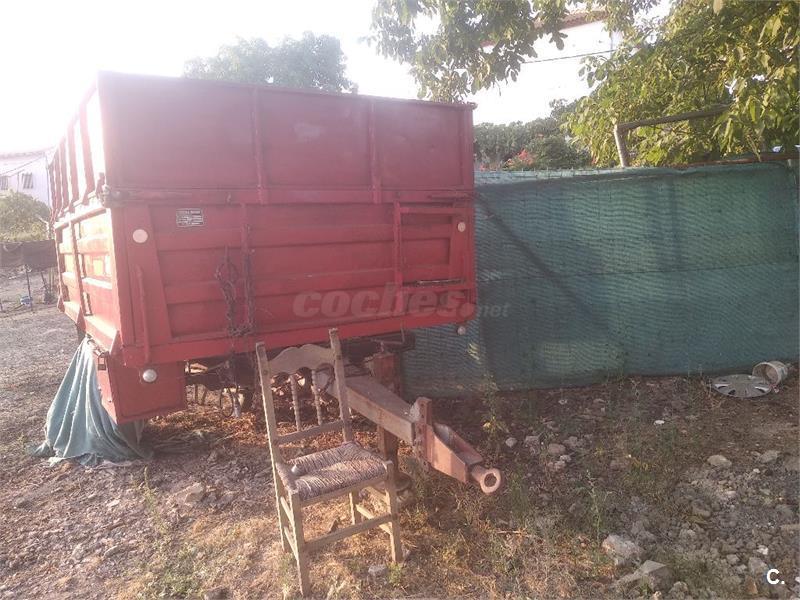 Se vende remolque de tractor en muy buen estado