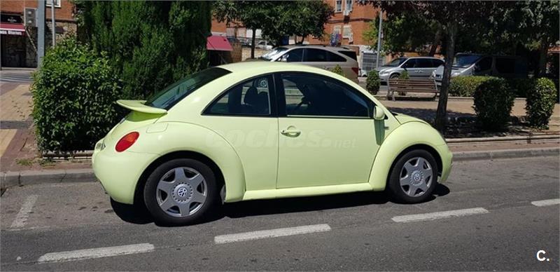 VOLKSWAGEN New Beetle 2.0 Auto 115CV 3p.