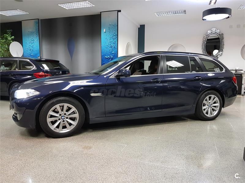 BMW Serie 5 520d Essential Edition Touring 5p.