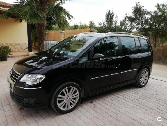VOLKSWAGEN Touran 2.0 TDI 140 Highline 5p.