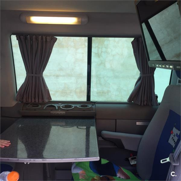VOLKSWAGEN Multivan 2.5 TDI Trendline 150 CV