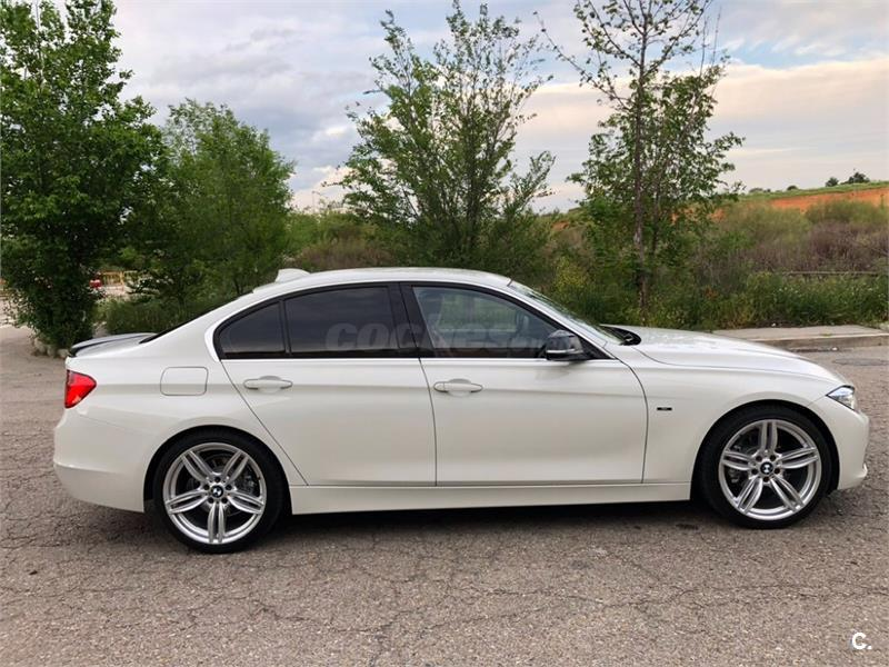 BMW Serie 3 320d EfficientDynamics Essential Edition 4p.