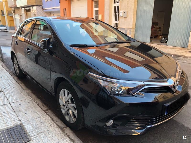 TOYOTA Auris 1.2 120T Active Bus. P. Touring Sports 5p.