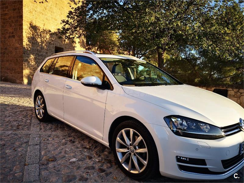 VOLKSWAGEN Golf Sportsvan Bluemotion 1.6 TDI 110CV 5p.