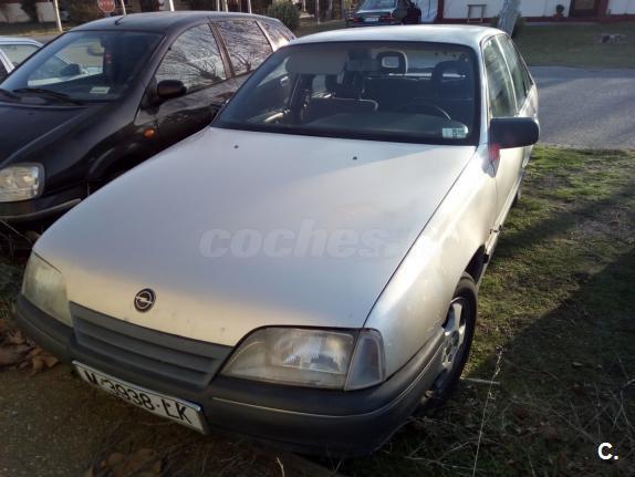 c2ea2a6dd33 Opel Omega usado   AutoVisual