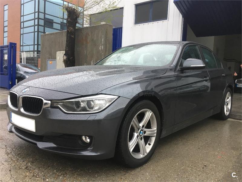 BMW Serie 3 320d Essential Edition 4p.