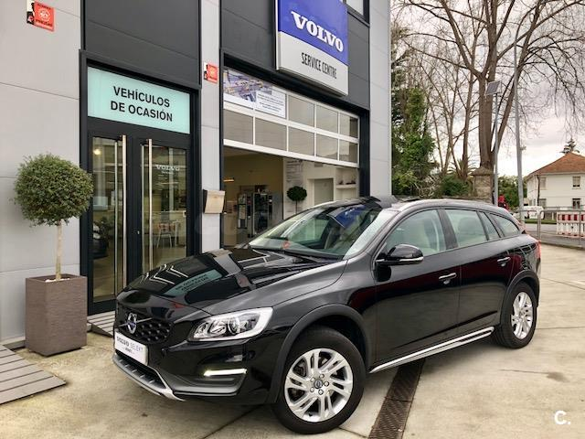 VOLVO V60 Cross Country 2.0 D3 Momentum 5p.