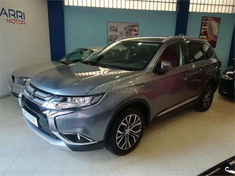 MITSUBISHI Outlander 220 DID Motion 2WD 5 Plazas 5p.