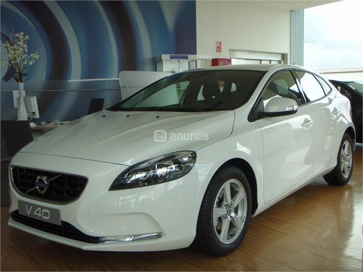 volvo v40 berlina 1 6 d2 kinetic diesel de km0 de color blanco en zamora. Black Bedroom Furniture Sets. Home Design Ideas