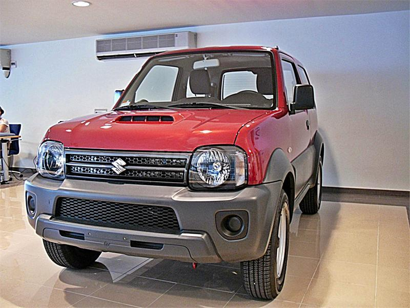suzuki jimny 4x4 1 3 jx gasolina de nuevo de color blanco. Black Bedroom Furniture Sets. Home Design Ideas