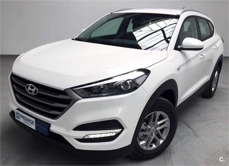 hyundai tucson todo terreno 1 7 crdi bluedrive essence 4x2 diesel de km0 de color blanco en. Black Bedroom Furniture Sets. Home Design Ideas