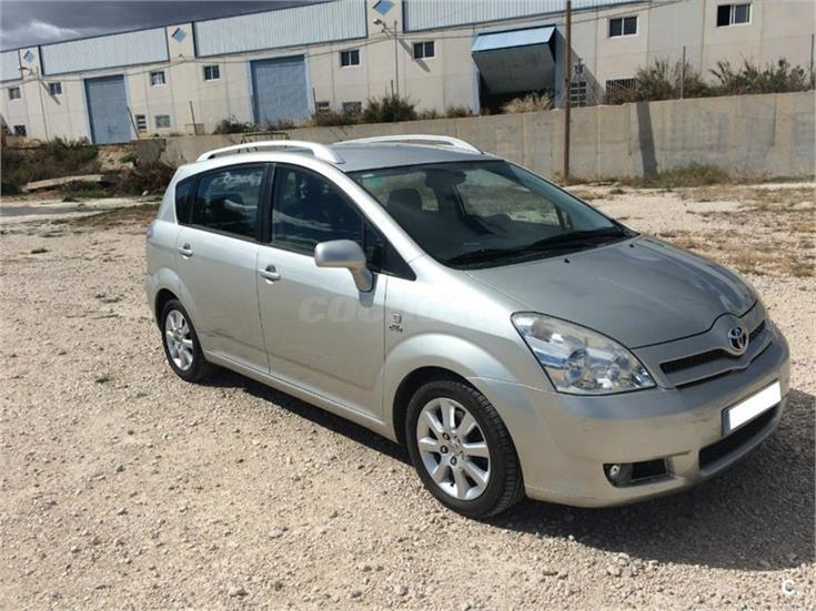 toyota corolla verso 2 0 d4d sol diesel gris plata beige del 2005 con 150000km en murcia. Black Bedroom Furniture Sets. Home Design Ideas