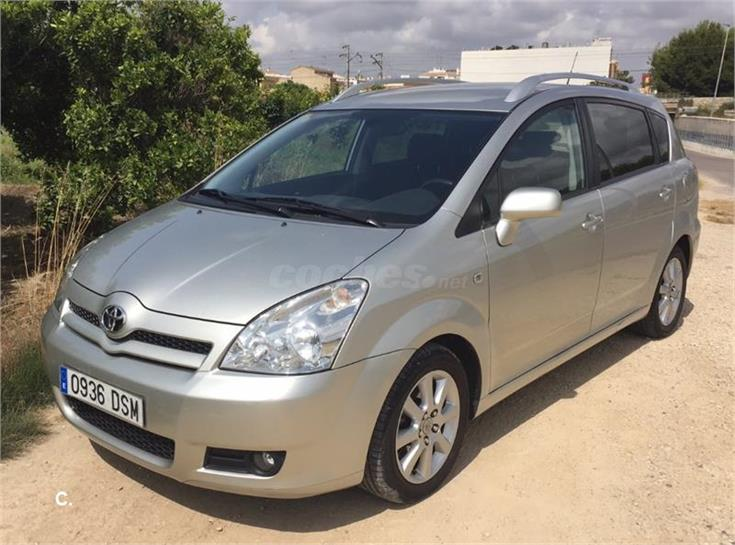 toyota corolla verso 2 2 d4d 136cv sol diesel gris plata del 2005 con 139500km en valencia. Black Bedroom Furniture Sets. Home Design Ideas