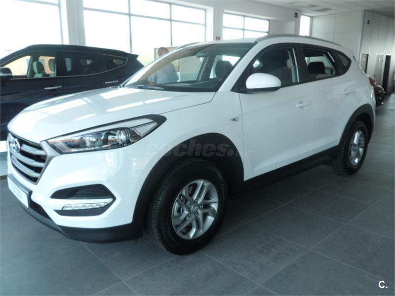 hyundai tucson 4x4 1 6 gdi bluedrive essence 4x2 gasolina de km0 de color blanco en vila 32022275. Black Bedroom Furniture Sets. Home Design Ideas