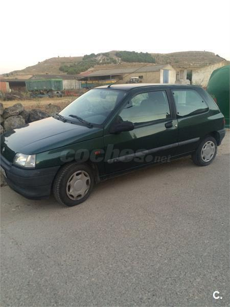 renault clio clio 1 9 d chipie diesel verde del 1996 con 275000km en valladolid 32111520. Black Bedroom Furniture Sets. Home Design Ideas