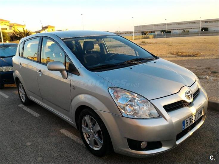 toyota corolla verso 2 2 d4d 136cv luna diesel gris plata del 2008 con 105000km en alicante. Black Bedroom Furniture Sets. Home Design Ideas