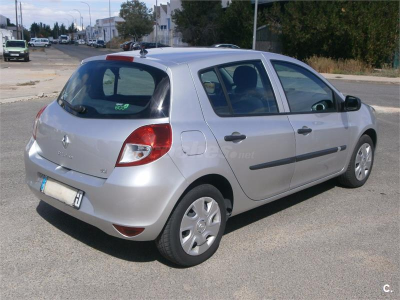 renault clio iii collection dci 75 eco2 diesel gris plata del 2012 con 124000km en badajoz. Black Bedroom Furniture Sets. Home Design Ideas