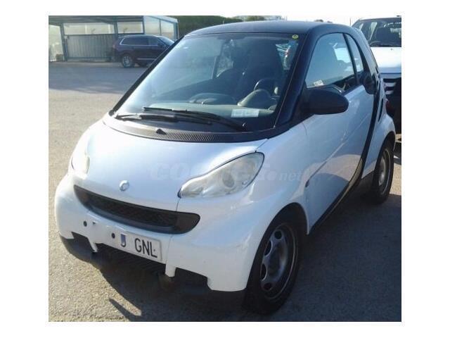 Smart fortwo coupe 45 mhd pure gasolina blanco negro del for Smart segunda mano sevilla
