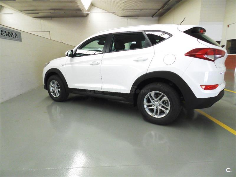 hyundai tucson 4x4 1 7 crdi 115cv bluedrive essence 4x2 diesel de color blanco del a o 2016 con. Black Bedroom Furniture Sets. Home Design Ideas