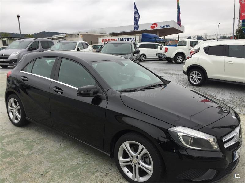 Mercedes benz clase a a 200 cdi urban diesel negro del for 5 puertas pontevedra