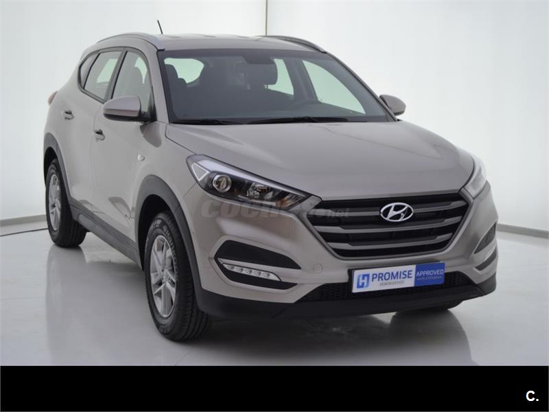 hyundai tucson 4x4 1 7 crdi bluedrive essence 4x2 diesel de color blanco white sand metalizado. Black Bedroom Furniture Sets. Home Design Ideas