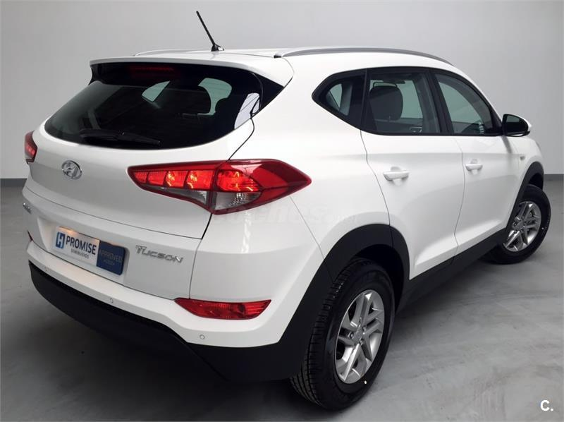hyundai tucson 4x4 1 7 crdi bluedrive essence 4x2 diesel de color blanco del a o 2016 con 50km. Black Bedroom Furniture Sets. Home Design Ideas