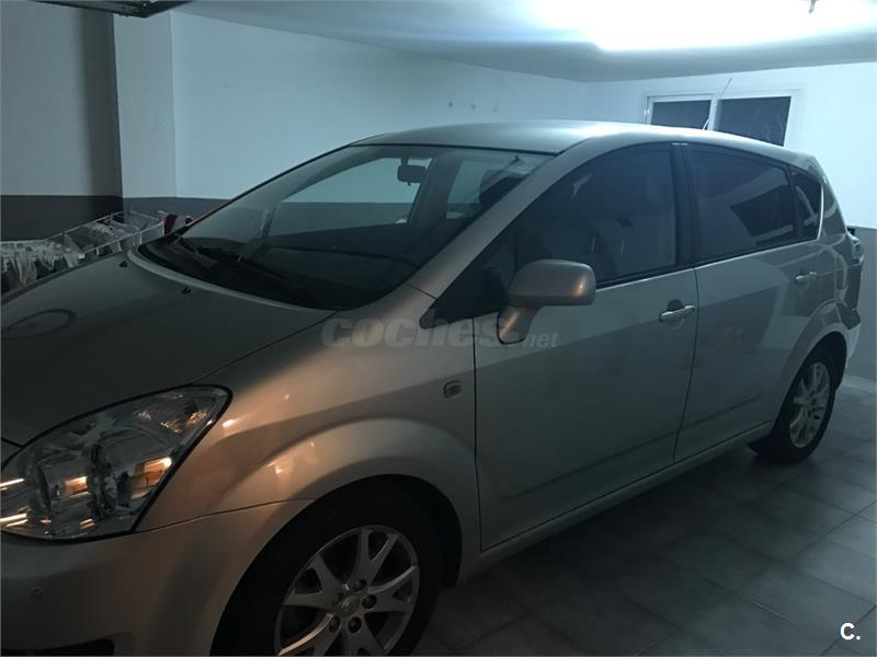 toyota corolla verso 2 2 d4d 136 cv sol diesel gris plata del 2008 con 19200km en madrid 32635695. Black Bedroom Furniture Sets. Home Design Ideas