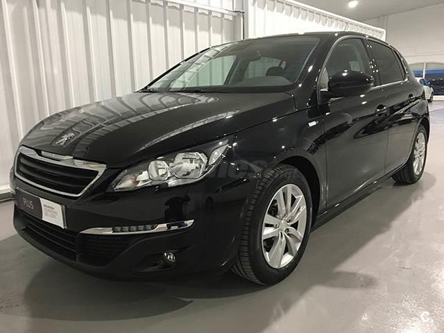 peugeot 308 5p style 1 6 bluehdi 100 diesel negro negro perla del 2016 con 35095km en toledo. Black Bedroom Furniture Sets. Home Design Ideas