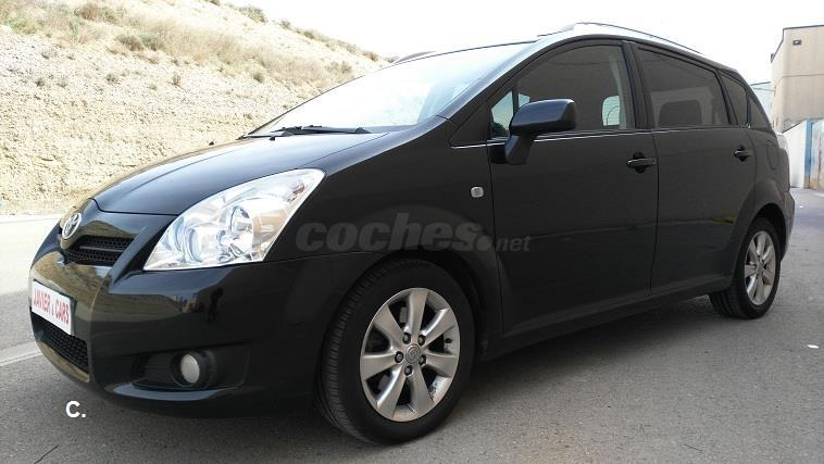 toyota corolla verso 2 2 d4d 136 cv sol diesel negro del 2008 con 165000km en zaragoza 32778761. Black Bedroom Furniture Sets. Home Design Ideas
