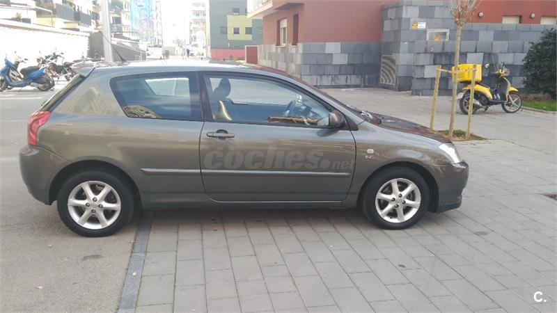 toyota corolla 2 0 d4d linea sol 116cv diesel gris plata oscuro del 2003 con 166000km en. Black Bedroom Furniture Sets. Home Design Ideas