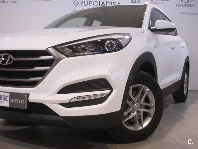 hyundai tucson 4x4 1 6 gdi bluedrive essence 4x2 gasolina de color blanco blanco del a o 2016. Black Bedroom Furniture Sets. Home Design Ideas